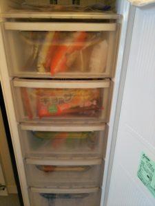 冷凍庫の中の収納引き出し